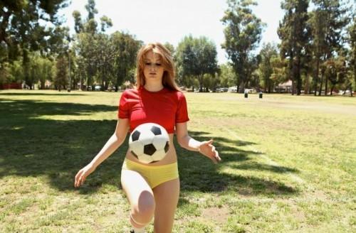 Faye Reagan - Eye on the Balls